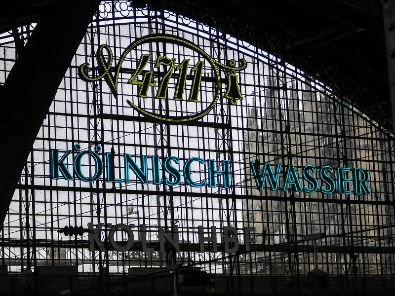 Hovedbanegården i Køln set indefra.