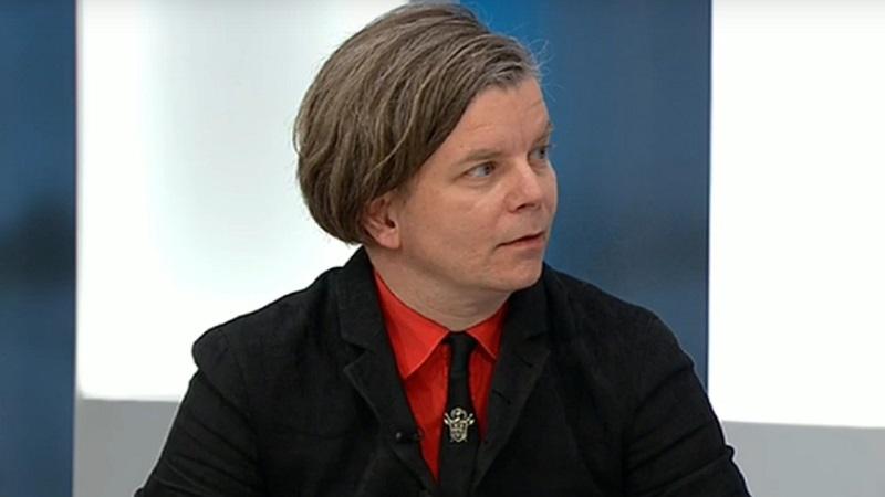 Selv for Henrik Marstal kan det være svært ikke at komme til at krænke nogen. Billede: YouTube.com.