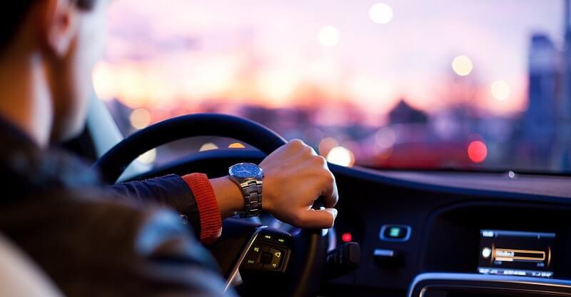 Bilen er patriarkatets forlængede arm, og bilkørsel skal begrænses, mener svensk debattør. Billede: Arkivfoto.