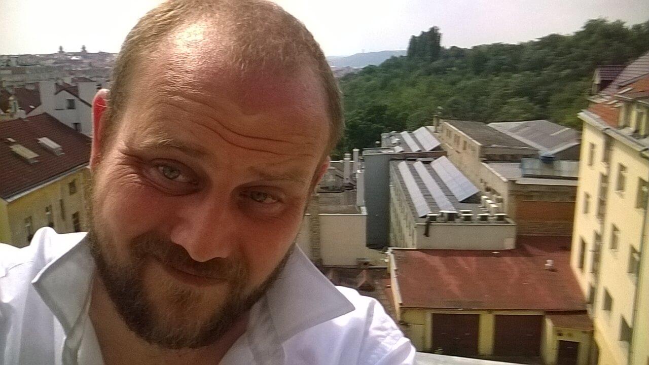 Sociolog og kønsdebattør Tobias Petersen. Her nydende sommeren 2016 i Prag.